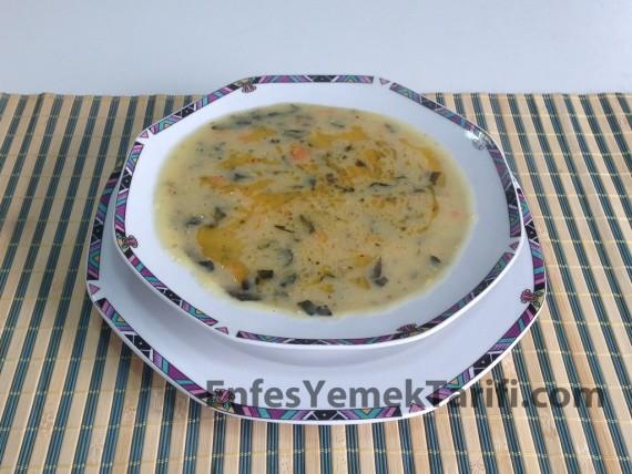 Ispanaklı Buğday Çorbası