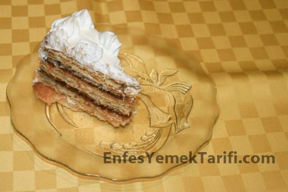 Kağıt Helvalı Yaş Pasta