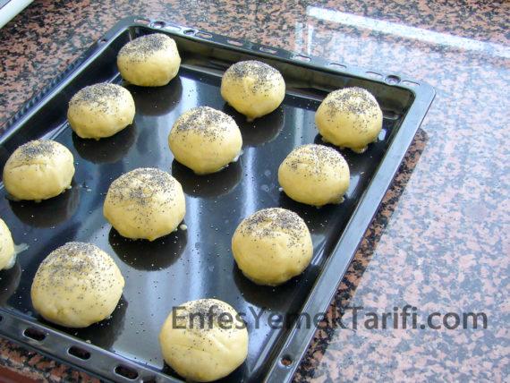 eyt-peynirli-hashasli-pogaca-081017
