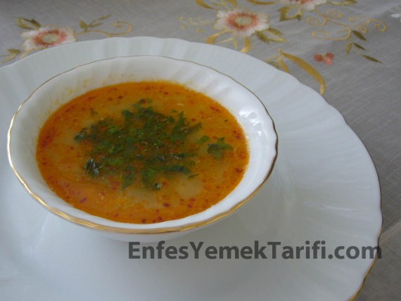 Tel Şehriye Çorbası